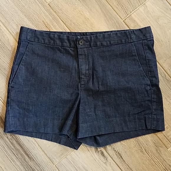 Banana Republic Pants - Banana Republic Hampton Fit Shorts Size 28/6